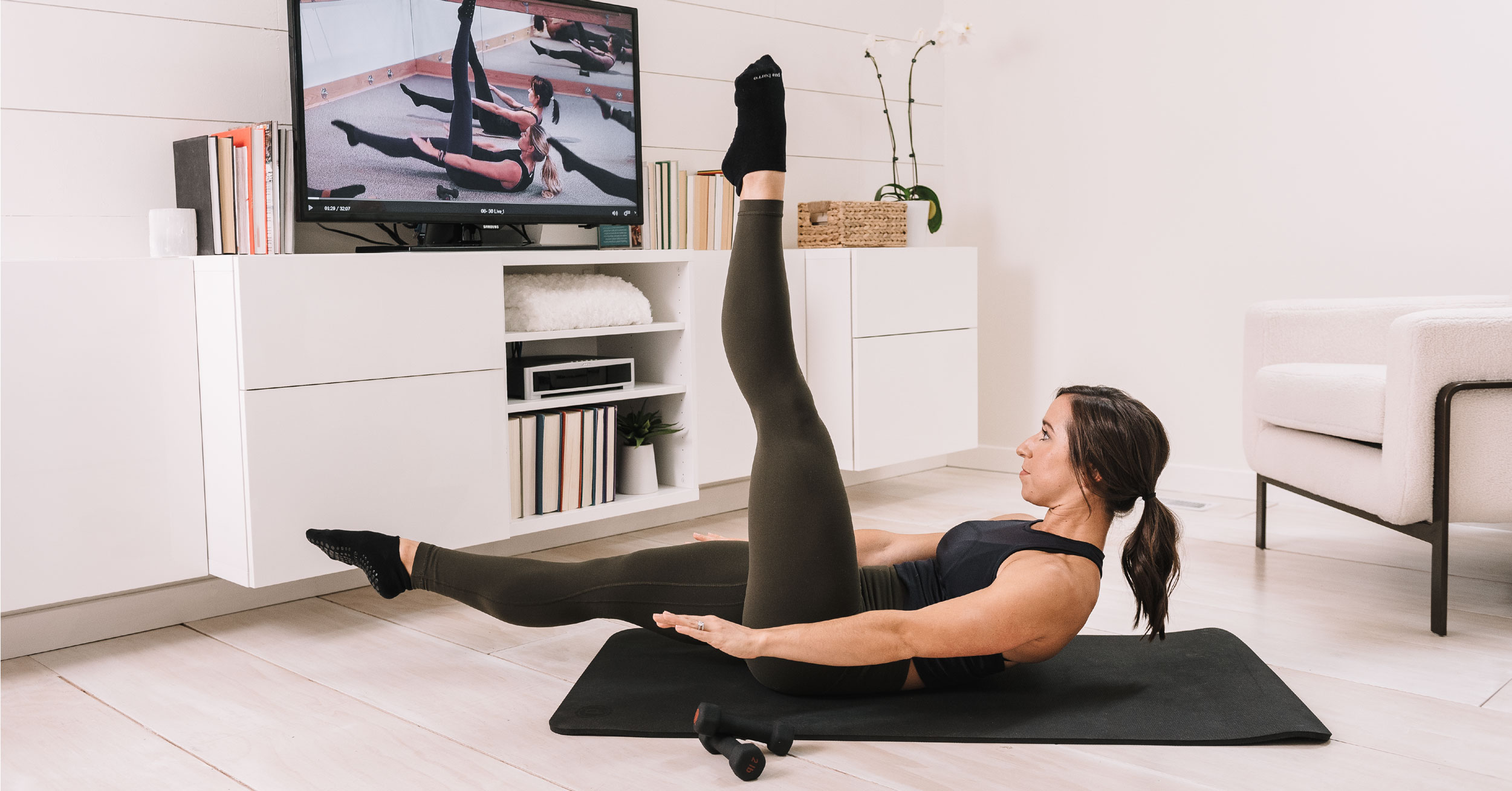 The-world_ds-best-barre-studio-workout-on-your-device